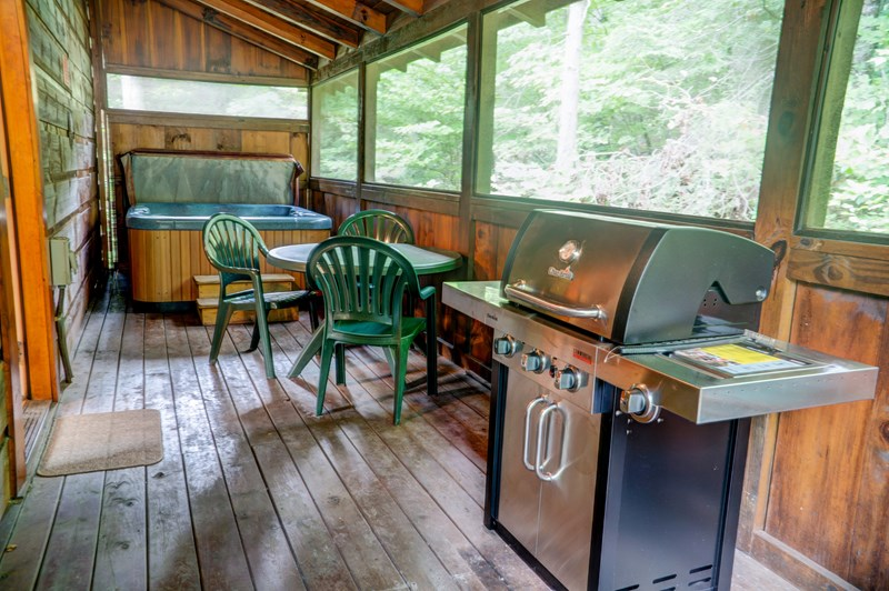 Main level back deck w/ gas grill & hot tub