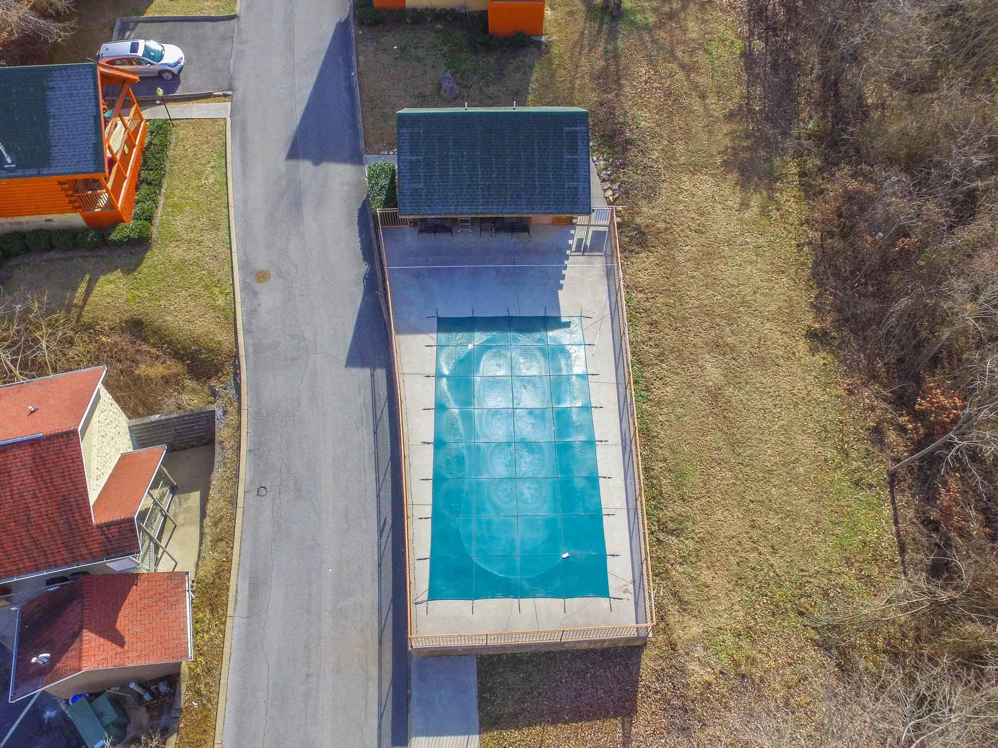 Pin Oak Resort pool