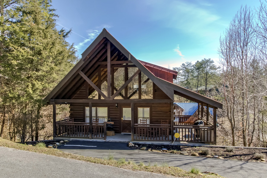 Are We Bear Yet in Alpine Mountain Village Resort is close, convenient to the Parkway